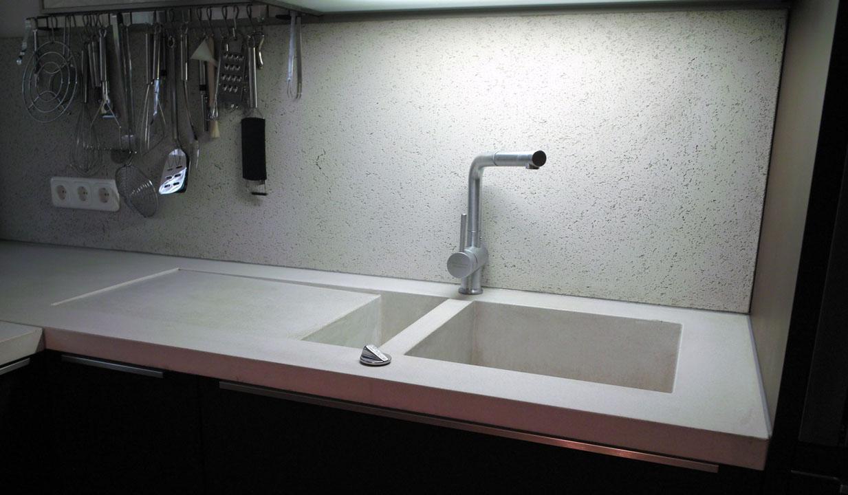 Beton waschbecken rustikal designer vintage waschbecken - Wandgehangtes waschbecken beton trendiges design ...